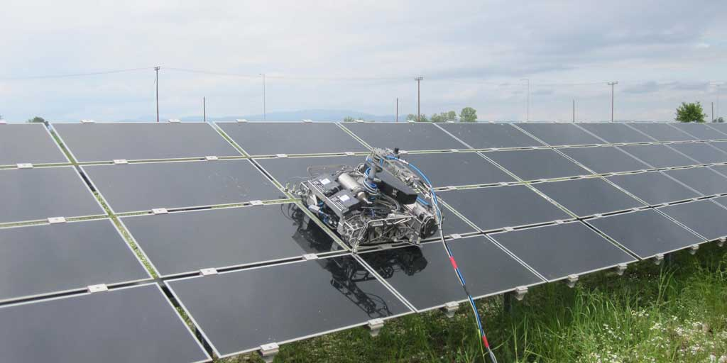 Cleaning a 8000sqm Thin Film PV Park